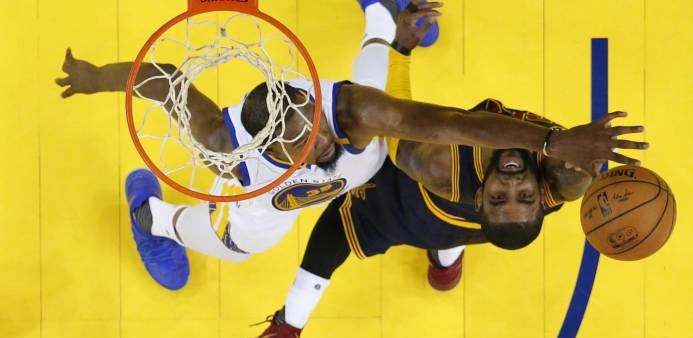 Kevin Durant (i)  Kyrie Irving