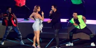 Leslie-Shaw-hizo-dueto-con-Luis-Fonsi-en-la-inauguración-de-los-Juegos-Panamericanos