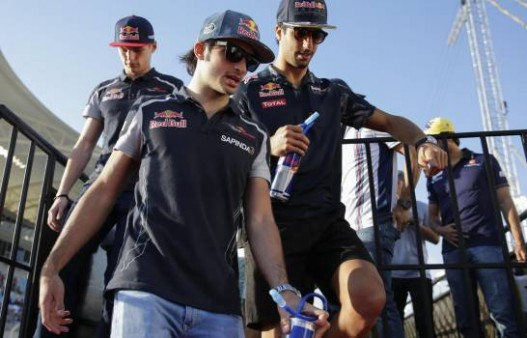daniel-ricciardo-joins-mclaren-as-ca_13892820_20200514103614